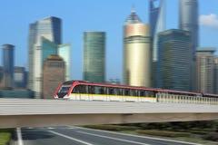 Treno di transito della ferrovia di Shanghai Immagine Stock