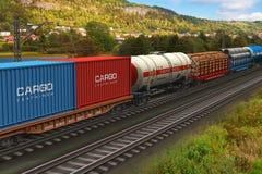 Treno di trasporto che passa dall'intervallo di montagna Fotografia Stock Libera da Diritti