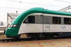 Treno diesel ferroviario bielorusso PESA 730M DP3 al railwa di Minsk Immagine Stock