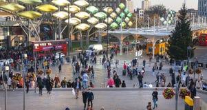 Treno e stazione della metropolitana internazionale di Stratford, una di più grande giunzione di trasporto di Londra ed il Regno  Immagine Stock Libera da Diritti