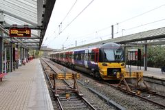 Treno elettrico Bradford Forster Square della classe 333 Fotografie Stock