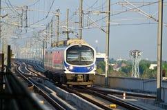 Treno elettrico di collegamento dell'aeroporto della Tailandia fotografie stock