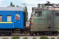 Treno elettrico ferroviario Fotografia Stock Libera da Diritti