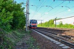 Treno elettrico moderno La Russia La Russia Fotografia Stock
