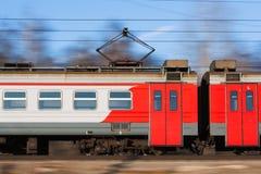Treno elettrico suburbano Immagini Stock