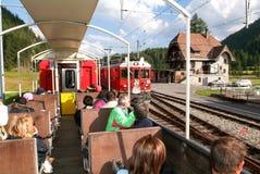 Treno espresso di Bernina, patrimonio mondiale dell'Unesco Fotografie Stock Libere da Diritti