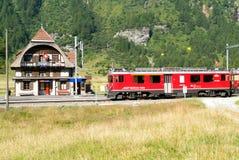 Treno espresso di Bernina, patrimonio mondiale dell'Unesco Fotografia Stock Libera da Diritti