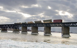 Treno fatto deragliare Fotografie Stock