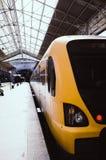 Treno giallo e nero Fotografia Stock Libera da Diritti