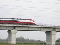 Treno italiano ad alta velocità Frecciarossa Immagine Stock