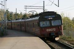 Treno locale a Oslo Immagini Stock