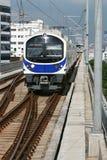 Treno moderno del cielo blu Fotografie Stock