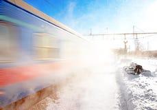 Treno nell'inverno Immagini Stock Libere da Diritti