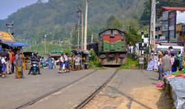 Treno nello Sri Lanka fotografia stock libera da diritti