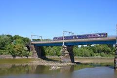Treno nordico Carlisle Bridge River Lune di dmu Fotografia Stock Libera da Diritti