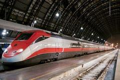 Treno notturno fotografie stock