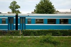 Treno passeggeri blu Fotografie Stock