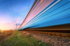 Treno passeggeri blu ad alta velocità nel moto Fotografia Stock Libera da Diritti