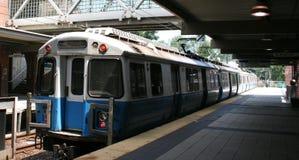 Treno pendolare che arriva Fotografia Stock Libera da Diritti