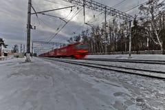 Treno scorrente veloce Fotografie Stock
