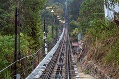 Treno sulla collina Fotografie Stock