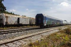 Treno sulla ferrovia abbandonata Fotografia Stock Libera da Diritti