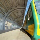 Treno sulla stazione Fotografia Stock Libera da Diritti