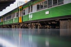Treno in Tailandia immagine stock