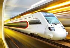 Treno in traforo Fotografia Stock