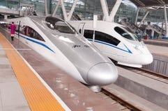 Treno veloce CRH380A di CRH alla stazione Fotografie Stock Libere da Diritti