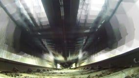 Treno, vista da sotto video d archivio