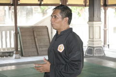 Trenować Pencak Silat Perisai Diri i akcja Zdjęcia Royalty Free