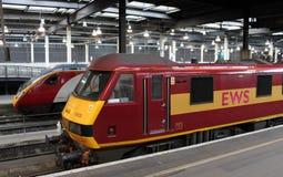 Trens elétricos na estação de Londres Euston Imagem de Stock