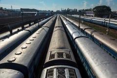 Trens no estação de caminhos-de-ferro. Trivandrum, India Foto de Stock