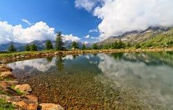 Trentino - lago pequeno em Pejo Fotografia de Stock
