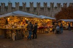 Trento, Италия, 22-ое ноября 2017: Рождественская ярмарка, Trento, альт Адидже Trentino, Италия Стоковое Фото