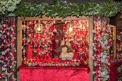 TRENTO, ITÁLIA - 1º de dezembro de 2015 - povos no mercado tradicional do xmas Imagens de Stock
