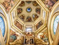 TRENTO, Italia - 21 febbraio 2018: cupola della cappella della croce nella cattedrale di San Vigilio o in cattedrale di Trento, T immagini stock libere da diritti