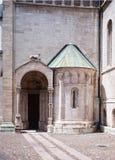Trento Italien Dörren av kupolen Royaltyfri Bild