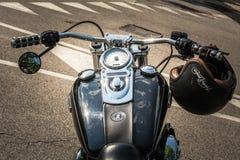 Trento, am 22. Juli 2017: Emblem und Details des berühmten Harley Davidson-Motorrades Weinlese und Retro- Filtereffekt lizenzfreie stockfotografie