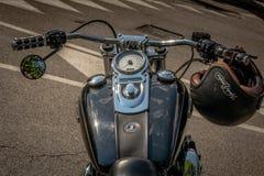 Trento, Lipiec 22, 2017: emblemat i szczegóły sławny Harley Davidson motocykl Rocznik i retro filtrowy skutek Zdjęcia Royalty Free
