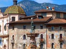 Trento, quadrato della cattedrale e fontana Fotografie Stock Libere da Diritti