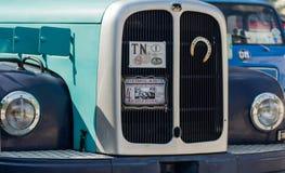 Trento, Włochy: lipiec 22, 2017: spotkanie klasyczni samochody Frontowy zbliżenie na starej rocznik ciężarówce na parking Zdjęcia Royalty Free