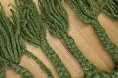 trenzas hechas a mano de las lanas Imagenes de archivo