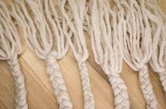 trenzas hechas a mano de las lanas Imagen de archivo libre de regalías