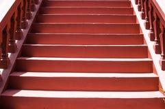 Treppe hergestellt von einem roten Zement Lizenzfreie Stockfotos