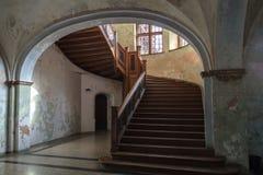 Treppe im alten Schloss Lizenzfreie Stockfotos