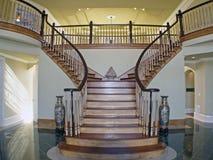 Treppe-Kasten-Foyer Stockbild