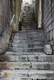 Treppe in Kotor auf adriatischer Küste von Montenegro Stockfotos