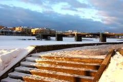 Treppe nach Ufergegend Stockfotos